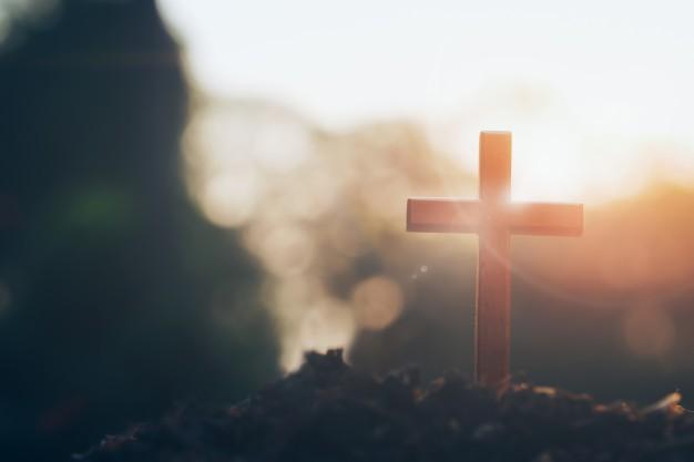 cristiano-cristianismo-fondo-de-la-religion_1421-12