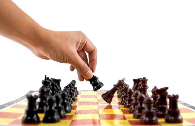 la-lucha-del-caballero-estrategica-batalla-atrapado_1172-420